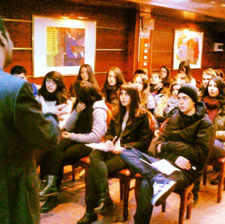 Εκπαιδευτικές ομιλίες σε μαθητές