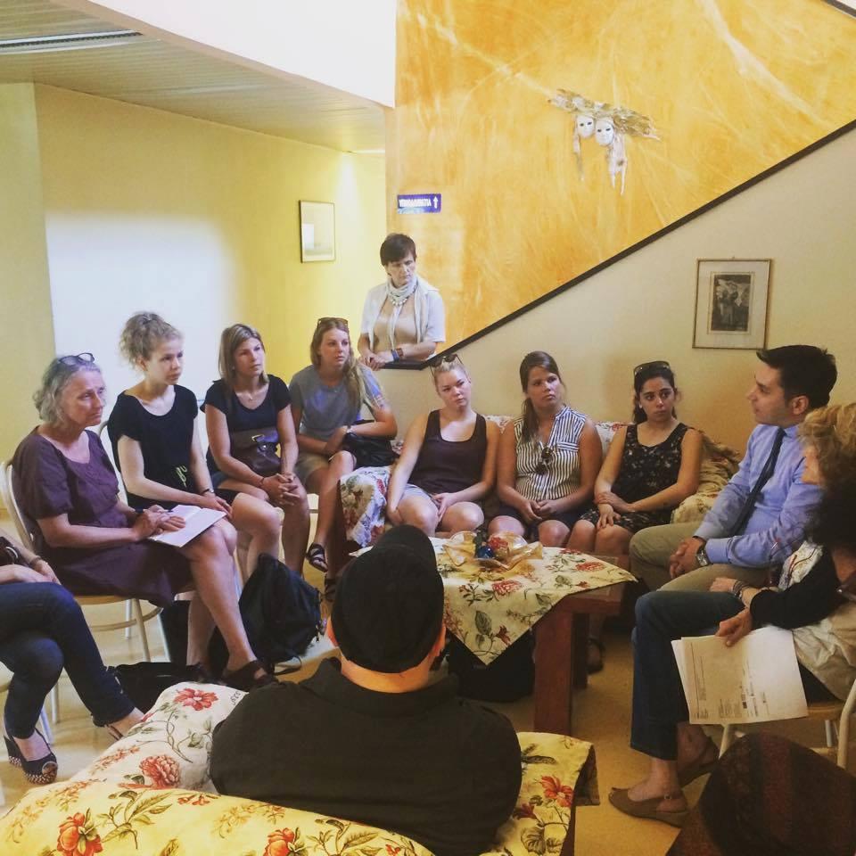 Με επισκέπτες των ψυχικών δομών, σπουδαστές από την Δανία